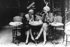 vintage-paris-ladies-coffee-shop